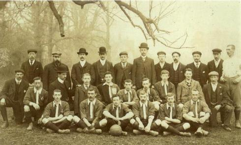 The 1906 Chipstead lads. Not enough moustaches for my liking. (thanks to Chipstead FC for the pic)